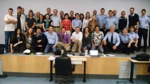 Foto di gruppo giornata finale del corso di formazione per Coordinatori di Team di Supporto Psico Sociale in Polizia Locale trentino Alto Adige