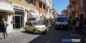 Auto piomba in area pedonale a Rimini